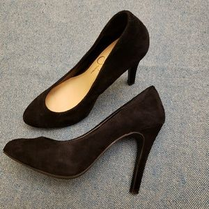 High heel suede pumps